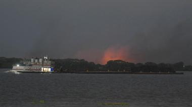 Norte de Barranquilla se cubrió de humo por quemas en parque Isla Salamanca