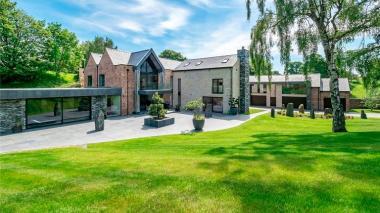 La lujosa mansión de Cristiano Ronaldo y su familia en Mánchester