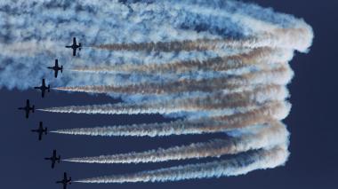 Espectacular show aéreo en el Festival Internacional Torre del Mar