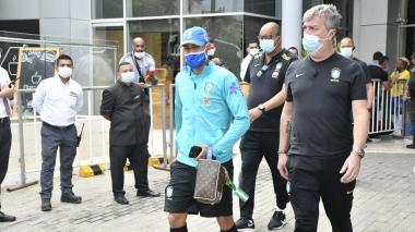 Así partió Brasil al 'Metro' para realizar su práctica antes del partido este domingo