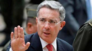 ¡Uribe, libre!