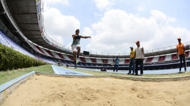 En video: Los barranquilleros se atreven a saltar como Caterine Ibargüen