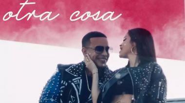 Daddy Yankee y Natti Natasha, románticos en 'Otra cosa'