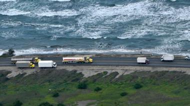 En video | Mar amenaza con entrar a la vía Barranquilla-Ciénaga en km 19