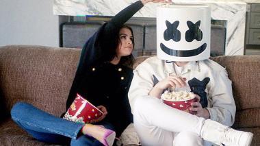 Selena Gomez y Marshmello  lanzan 'Wolves'