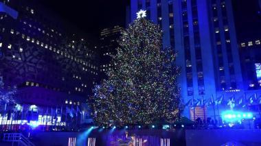 En video | Nueva York enciende las luces del tradicional árbol de Navidad