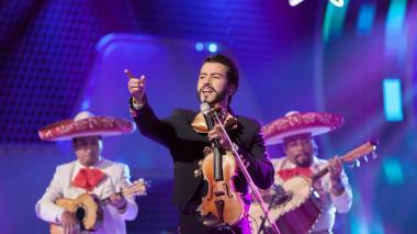 Jair Santrich puso a cantar al jurado de 'A otro nivel' con la canción 'La Bikina'