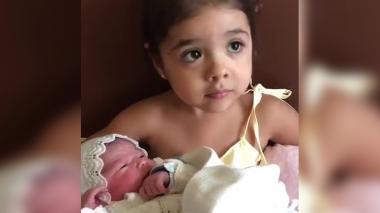 En video | Así recibió la hija mayor de Peter Manjarrés a su hermanita recién nacida