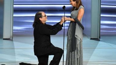 En video | Así fue la emotiva pedida de mano durante la transmisión de los Emmy