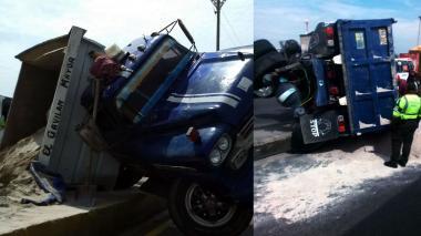 En video | Volqueta de arena paraliza tráfico en calle 30 tras accidentarse