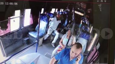 Atraco a bus en Galapa queda registrado en cámaras de seguridad