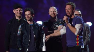 Coldplay lanza nuevo proyecto musical titulado Los Unidades y debuta canción