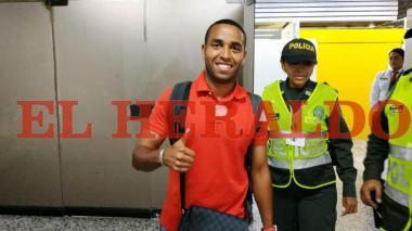 El pase de champeta de Yohandry Orozco a su llegada a Barranquilla