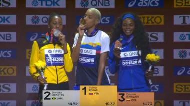 En video | Caterine Ibargüen recibe la medalla de bronce que logró en el Mundial de Doha