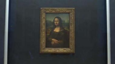 En video | 'La Gioconda' recupera su lugar en el Louvre tras obras de renovación
