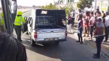 En video| Conductor de dacia se voló cuando policía lo requirió para procedimiento