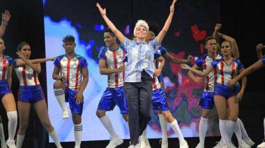 En video   El 'profe' Julio Comesaña también fue protagonista en la Lectura del Bando