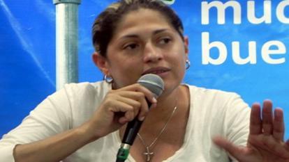 Alma Solano.