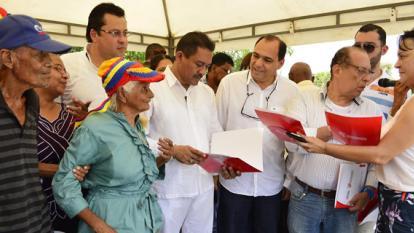 200 familias de Malambo reciben títulos de propiedad