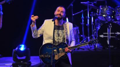 """Una noche para """"Estar vivos"""", la velada musical de Santiago Cruz en Barranquilla"""