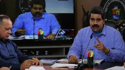 El presidente Nicolás Maduro explica las medidas tras una reunión con su gabinete.