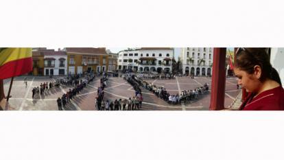 Estudiantes de Unicartagena protestan en la plaza de la Aduana por salvación del Hospital Universitario