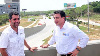 El alcalde Alejandro Char, el ministro de Transporte Jorge Eduardo Rojas visitaron la carrera 53 con Circunvalar.