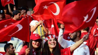 Renuncian dirigentes de la Federación Turca de fútbol