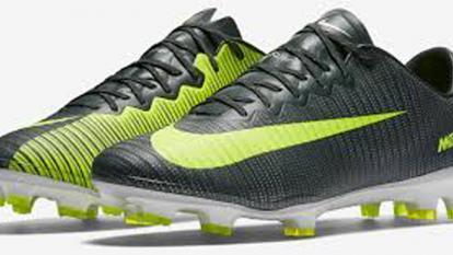 En video: CR7 presenta sus nuevas botas inspiradas en su último partido con el Sporting