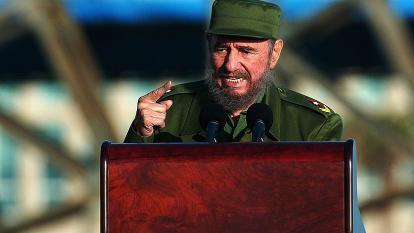 Cuba despide los restos de Fidel mientras en Miami celebran