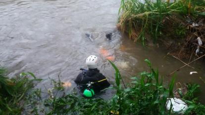 Hallan muerto a joven perdido en río Fundación