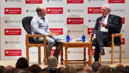 Aspecto del conversatorio en el que participó Mario Vargas Llosa.