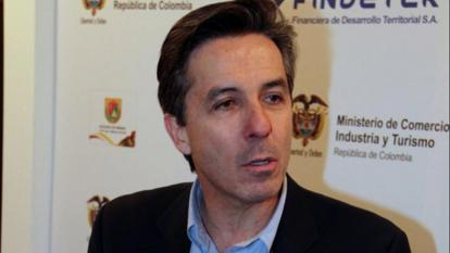 Fiscalía abre pesquisa contra Roberto Prieto