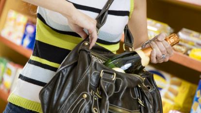 Productos de aseo y enlatados, lo que más roban en almacenes
