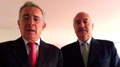 Los expresidente Álvaro Uribe y Andrés Pastrana.