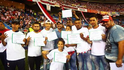 30 integrantes de las barras del Junior tienen diploma en primeros auxilios