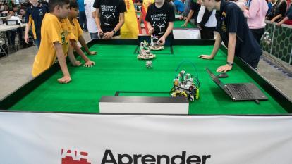 Robots juegan al fútbol y luchan por el medio ambiente