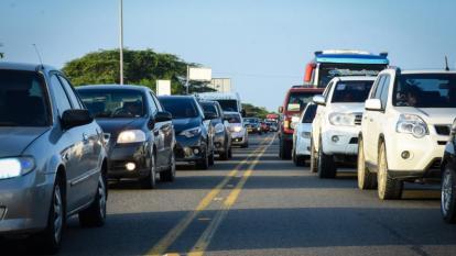 Vehículos ingresando a Barranquilla.