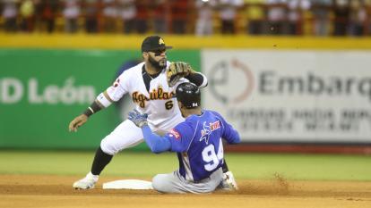 'Pipe' Urueta da la pelea en la final del béisbol dominicano