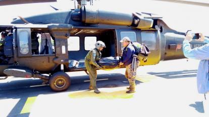 En helicóptero rescataron cóndores que murieron en la Sierra Nevada