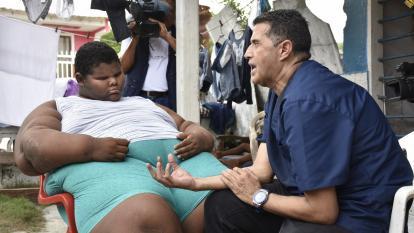 Fundación Gorditos de Corazón tiende la mano a niño en Caño del Oro