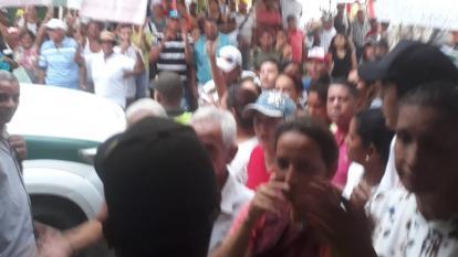 Pobladores de Campo de la Cruz trataron de sabotear audiencia de exalcalde