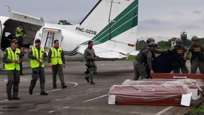 Los cuerpos en el aeropuerto de Cali.