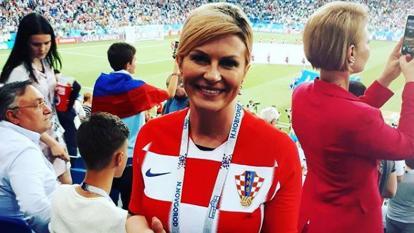 De manera apasionada y dando saltos, Grabar-Kitarović celebra cada uno de los goles del equipo croata.