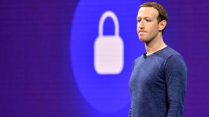Acciones de Facebook se hunden en una tormenta de malas noticias