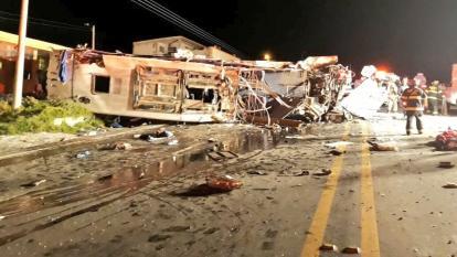 Las irregularidades que rondan el accidente del bus colombiano en Ecuador
