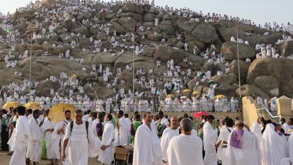 La peregrinación a La Meca llega a su momento culminante en el Monte Arafat