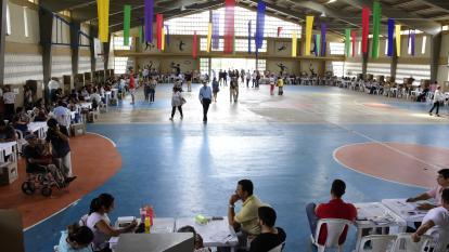 El coliseo del colegio Biffi La Salle permaneció vacío durante toda la jornada electoral de este domingo.