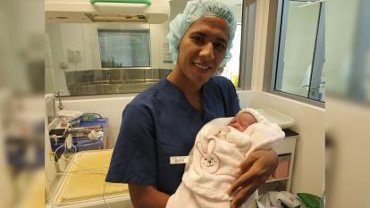 James Sánchez junto a su hija Victoria.