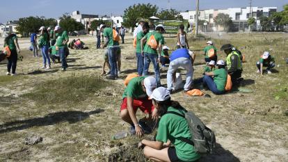 """Voluntarios durante """"La Sembratón"""" en Soledad."""
